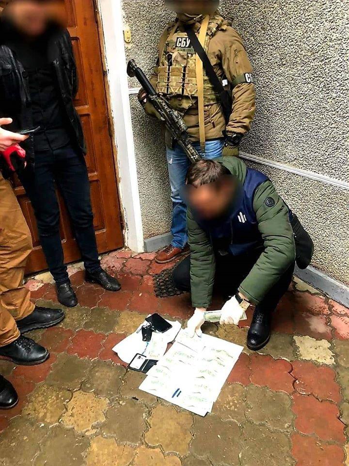 На хабарі затримали в. о. начальника відділу поліції на Франківщині (фото), фото-1