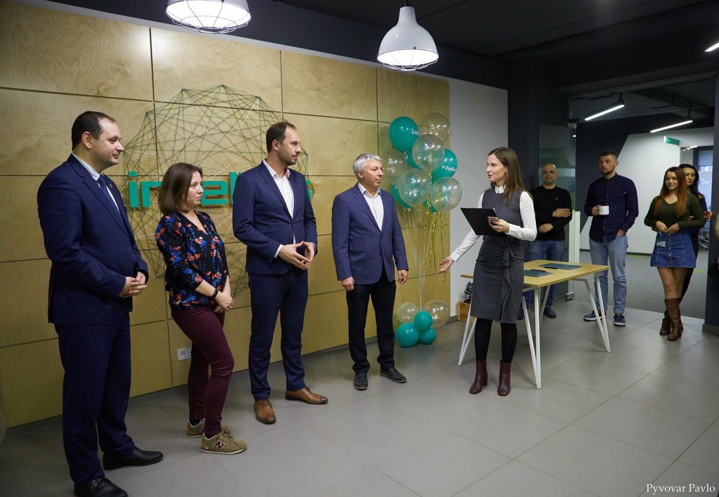 Одна з найбільших ІТ-компаній України Intellias відкриває офіс у Франківську (фото), фото-6