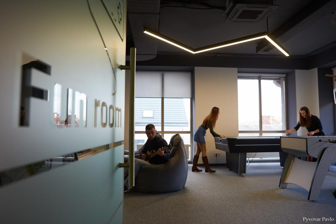 Одна з найбільших ІТ-компаній України Intellias відкриває офіс у Франківську (фото), фото-8
