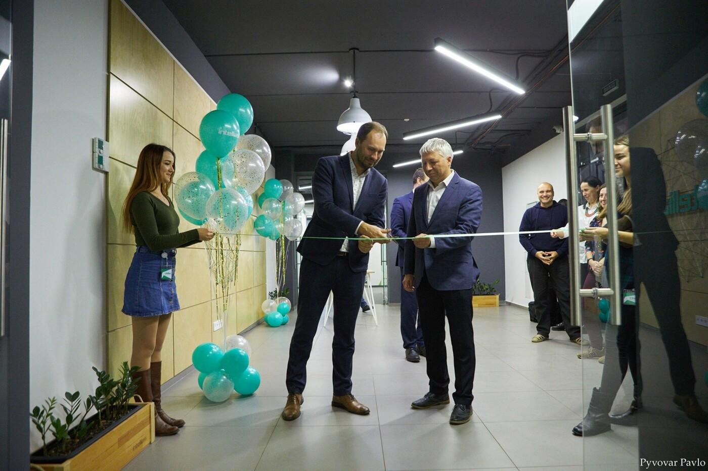 Одна з найбільших ІТ-компаній України Intellias відкриває офіс у Франківську (фото), фото-1