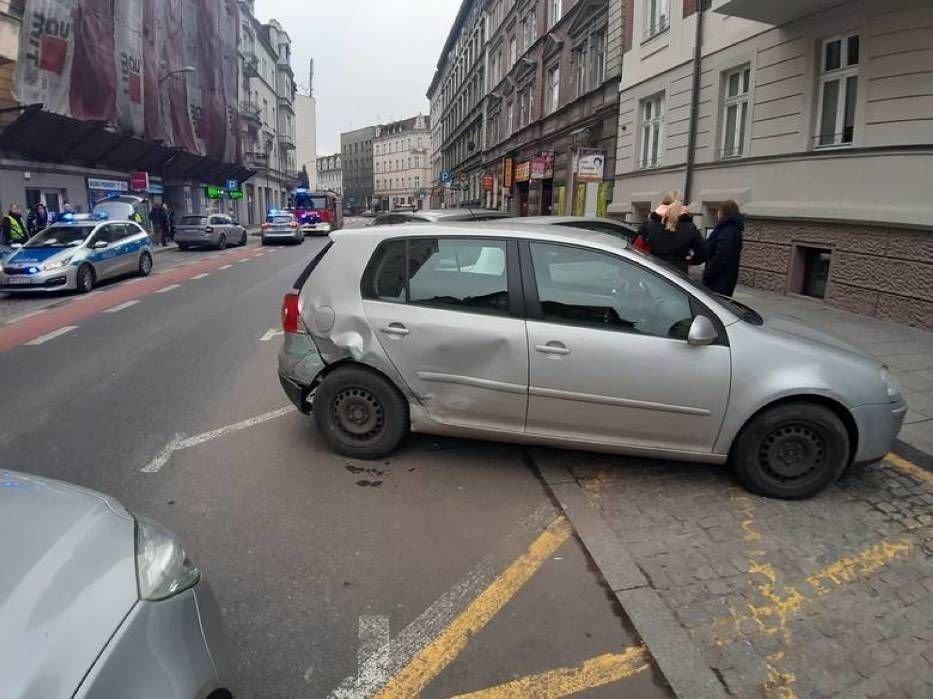 ДТП у Польщі: п'яний українець протаранив відразу вісім авто на парковці (вото) , фото-3