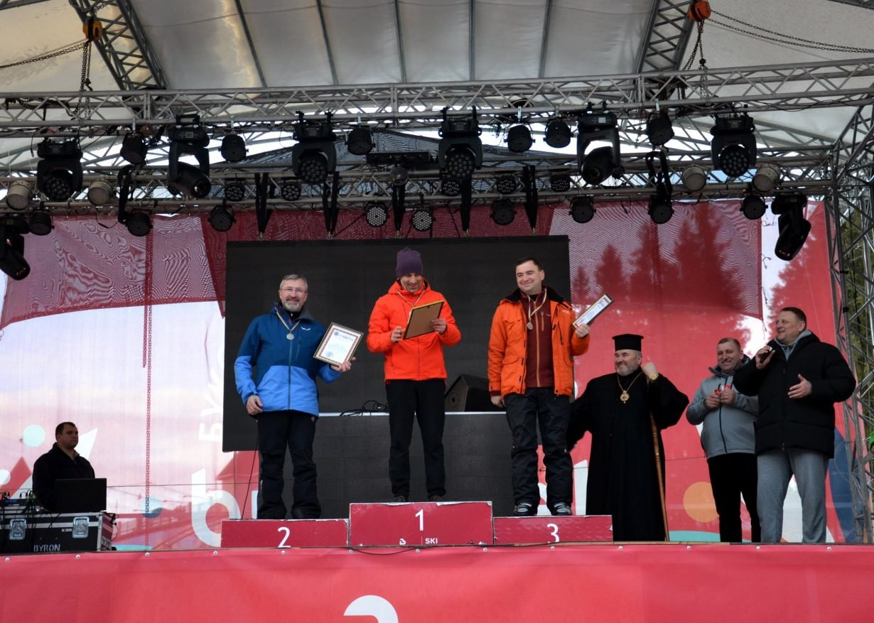 У Буковелі провели лижні змагання серед духовенства, фото-3