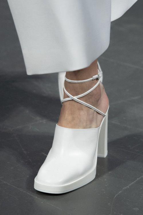 Взуття з масивним каблуком 2020. Фото - pinterest.ru