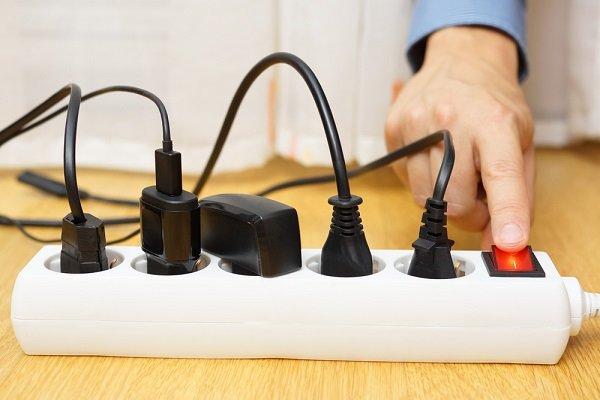 Чому ламаються електроприлади у прикарпатців