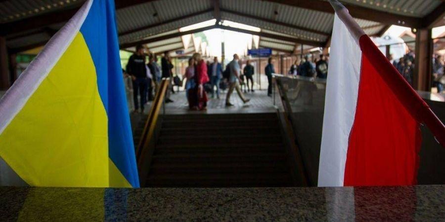 Ціле покоління виїхало. Що відбувається з українцями, які шукають кращого життя в Польщі
