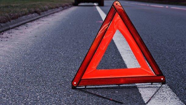 На Франківщині мотоцикліст на тротуарі збив жінку